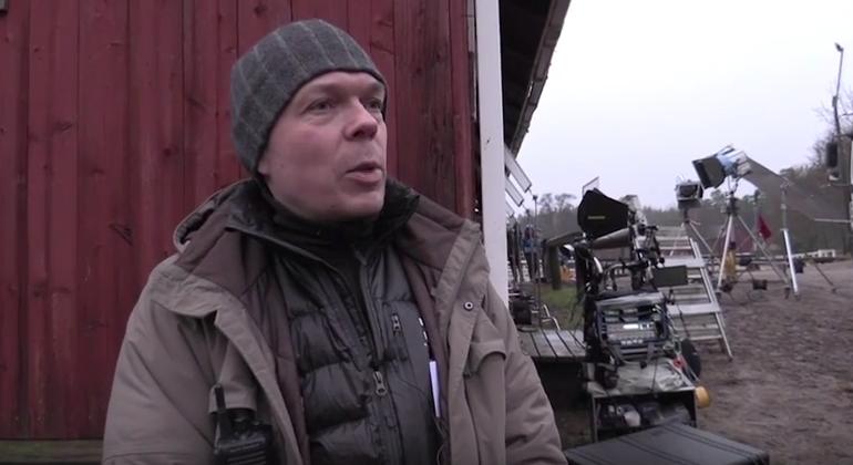 Elokuvan äänittäjä-äänisuunnittelija Tuomas Klaavo.