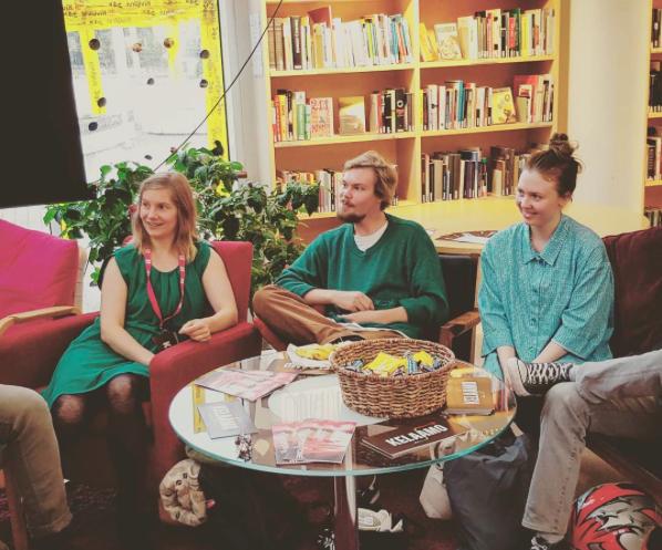 Diskussion efter visningen på Tapiola bibliotek med filmmakarna. Från vänster Saara, Nuutti och Ida-Maria.