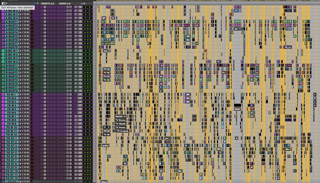 Rutukaappaus äänisuunnittelijan aikajanalta, jossa on todella paljon palikoita
