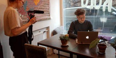 Kettupäivät -lyhytelokuvafestivaalin tuottaja Kimmo Sillanmikko